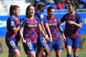 El Barcelona golea al Levante y sigue líder de la Liga