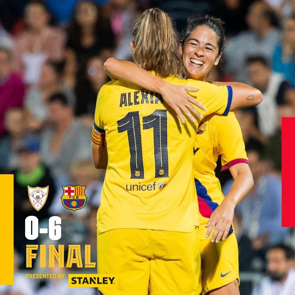 Jugadoras del Barcelona celebran la victoria