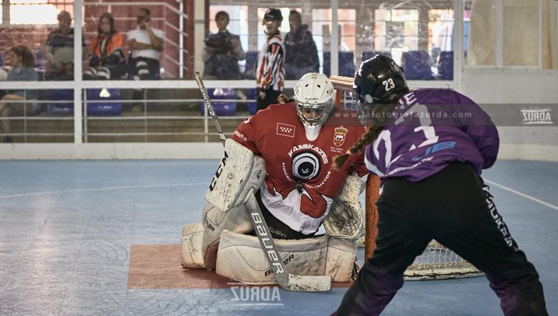 Las lideres de grupo son derrotadas en la jornada de elite de hockey linea