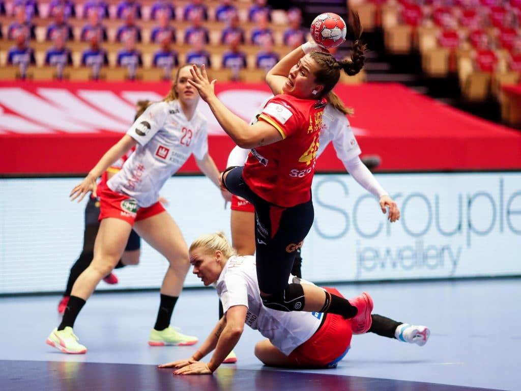 España pierde ante una Dinamarca lanzada