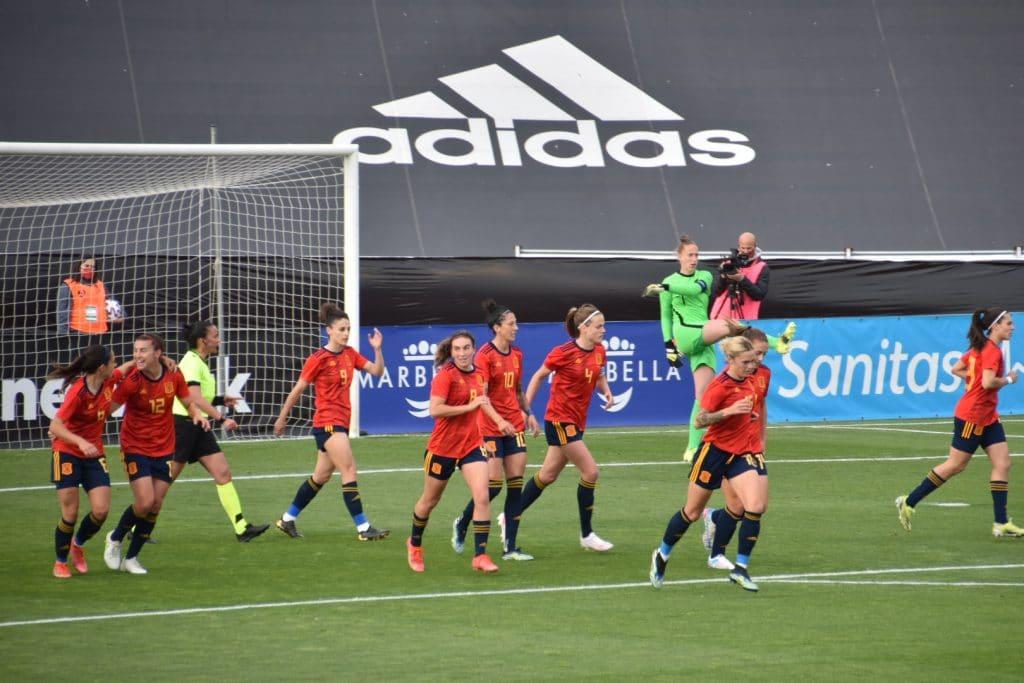 Una España muy superior vence a Países Bajos 1-0