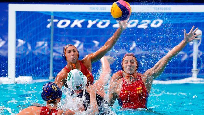 España sufre para conseguir su segunda victoria