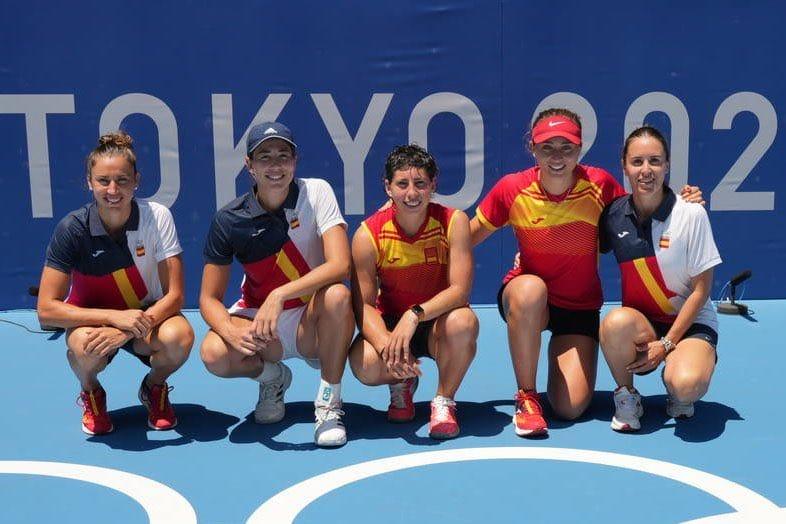 Pleno del tenis español en dobles e individual